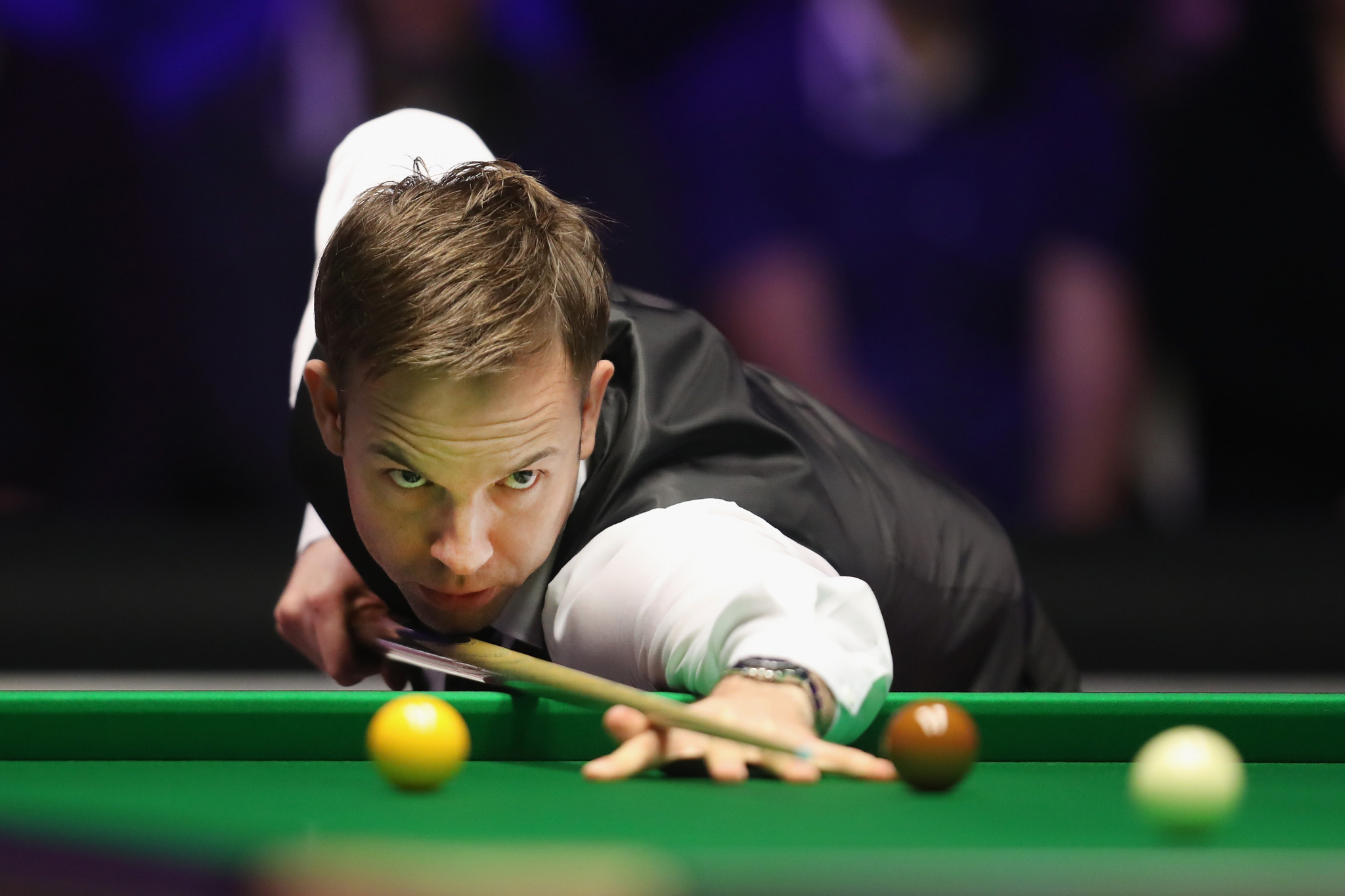 Carter leads O'Sullivan in second round of World Snooker Championships