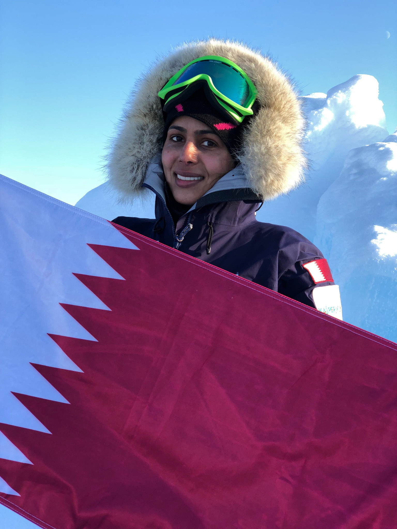 Sheikha Asma Al Thani raised the Qatari flag on the North Pole ©QOC