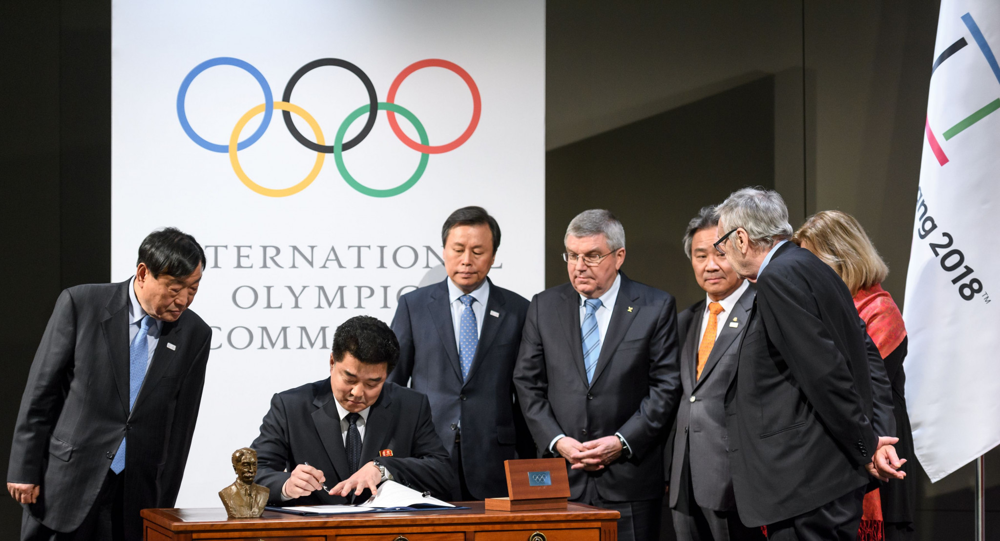 Thomas Bach, fourth left, pictured with representatives from North and South Korea signing their Olympic participation deal for Pyeongchang 2018 in Lausanne in January ©Getty Images
