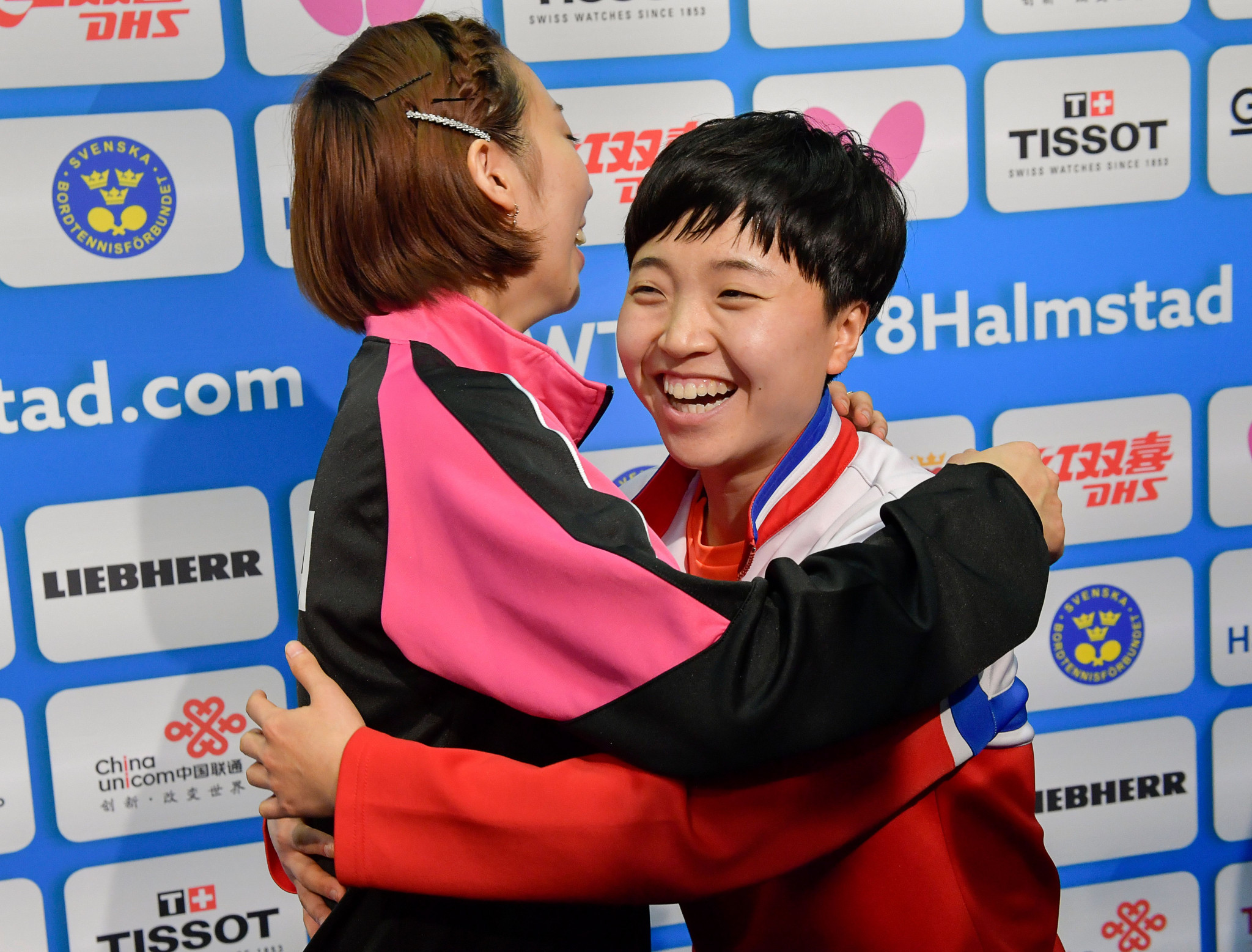 It was all smiles for the Korean players after the ITTF gave approval for a unified team ©Getty Images