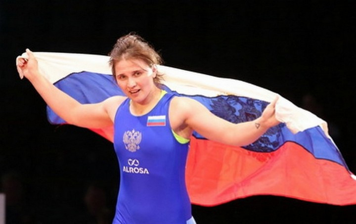 Bratchikova sends home fans into raptures with gold at European Wrestling Championships