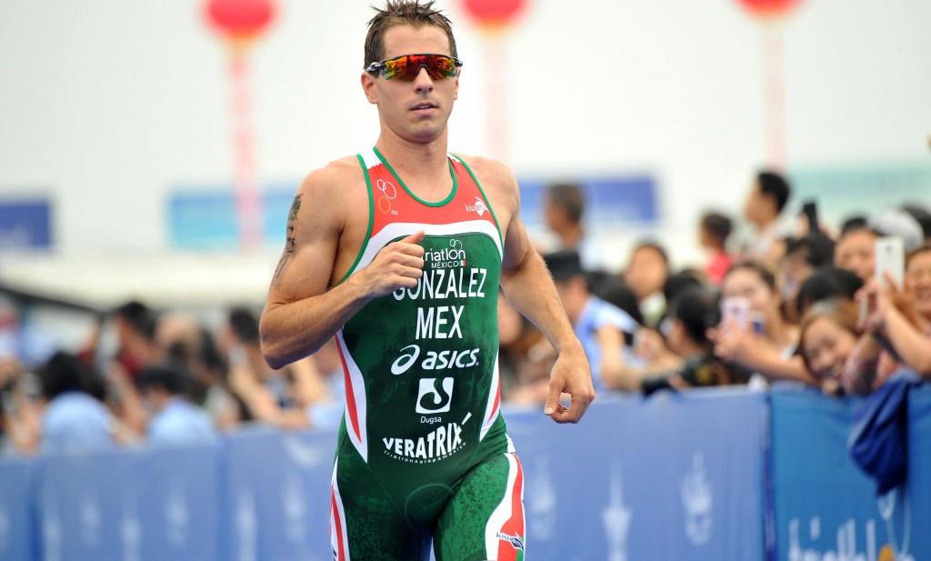 Rodrigo Gonzalez was among the heat winners in the men's semi-finals ©ITU