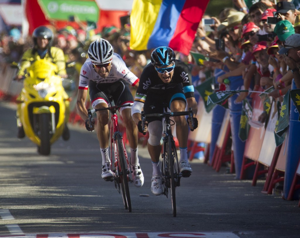 Roche wins Team Sky's first stage of Vuelta a España as Dumoulin preserves narrow lead