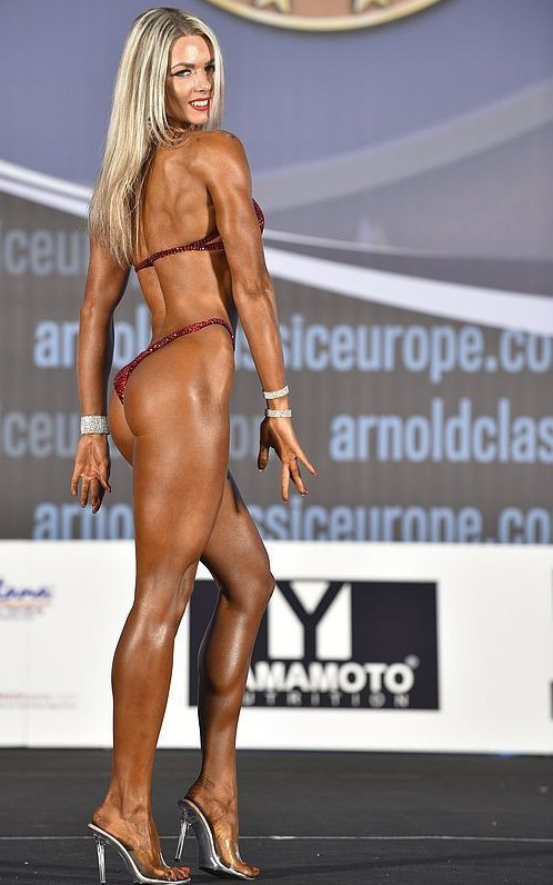 Maryna Oborska was one of several Ukrainians to win titles on the final day of competition ©IFBB
