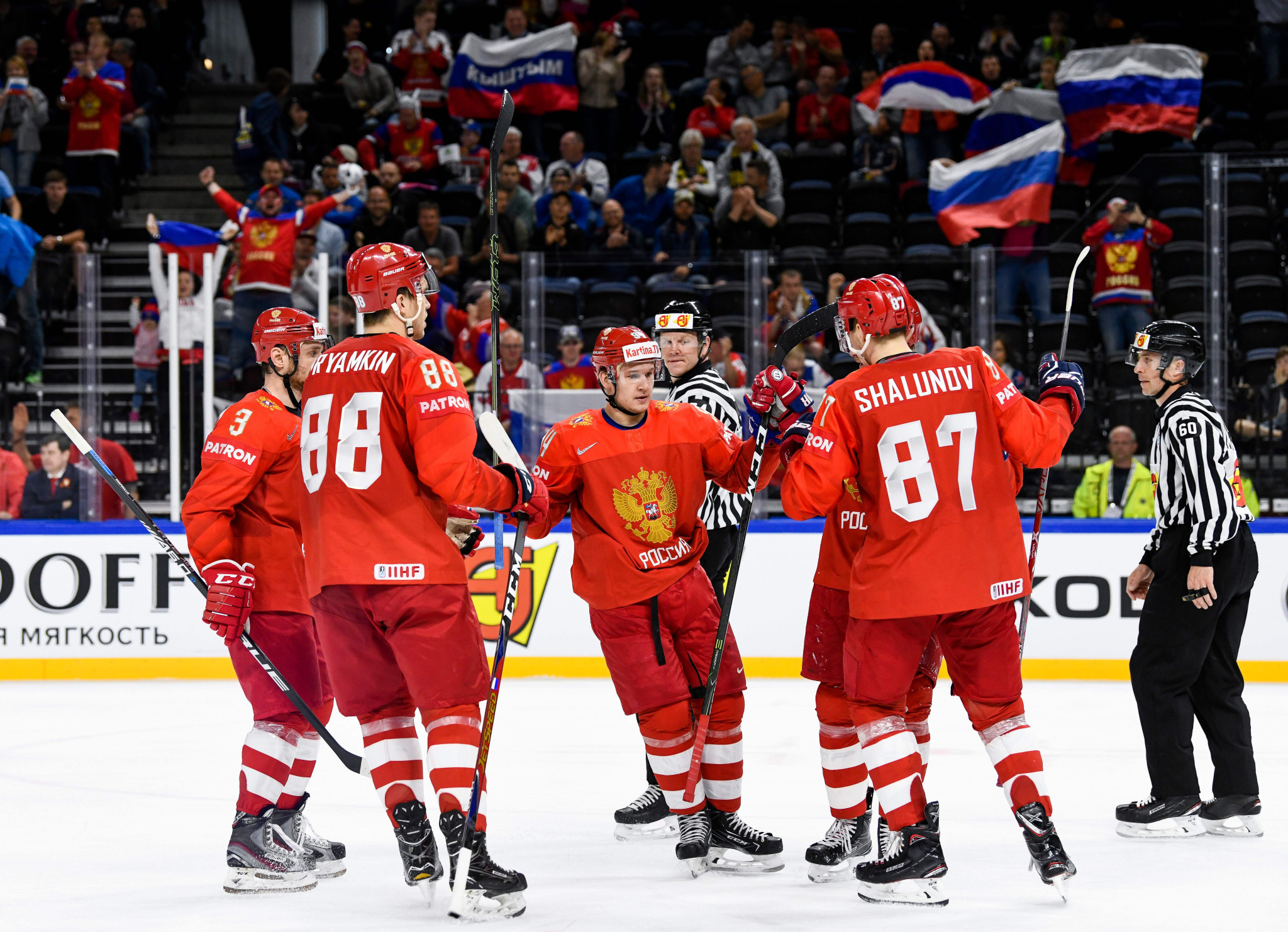 Russia thrash Belarus to remain top of group at IIHF World Championship