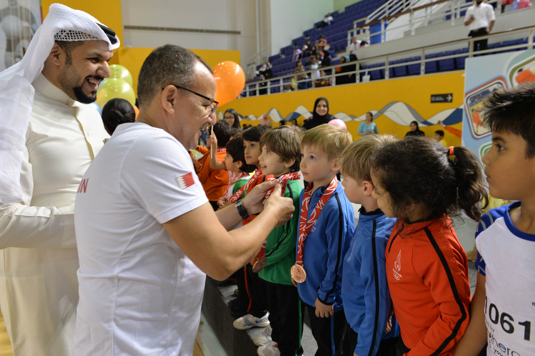 The children were presented with commemorative bronze medals ©BOC