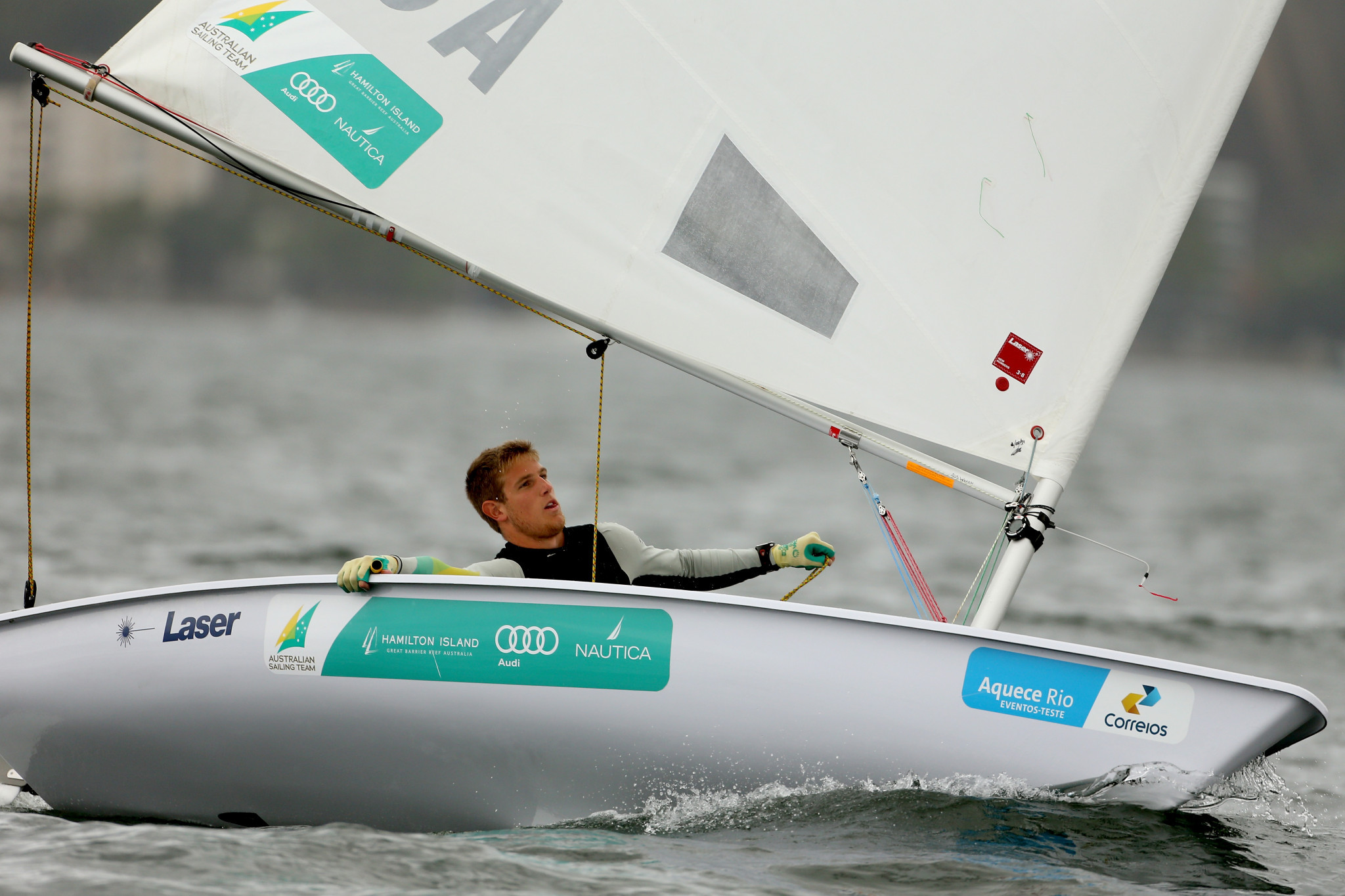 Wearn takes advantage of Meech dip to lead at European Laser Championships