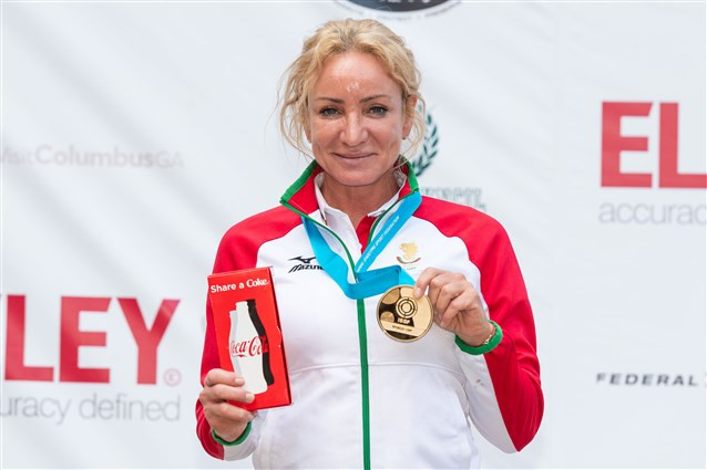 Legendary Bulgarian shooter Maria Grozdeva came out on top in the women's 25m pistol event ©ISSF