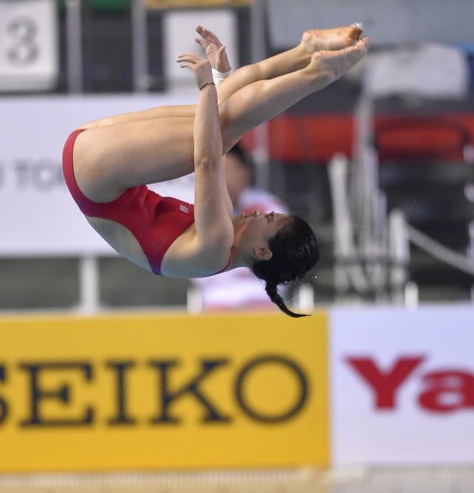 China's Huang wins women's three metres springboard semi-final at FINA Diving Grand Prix in Calgary