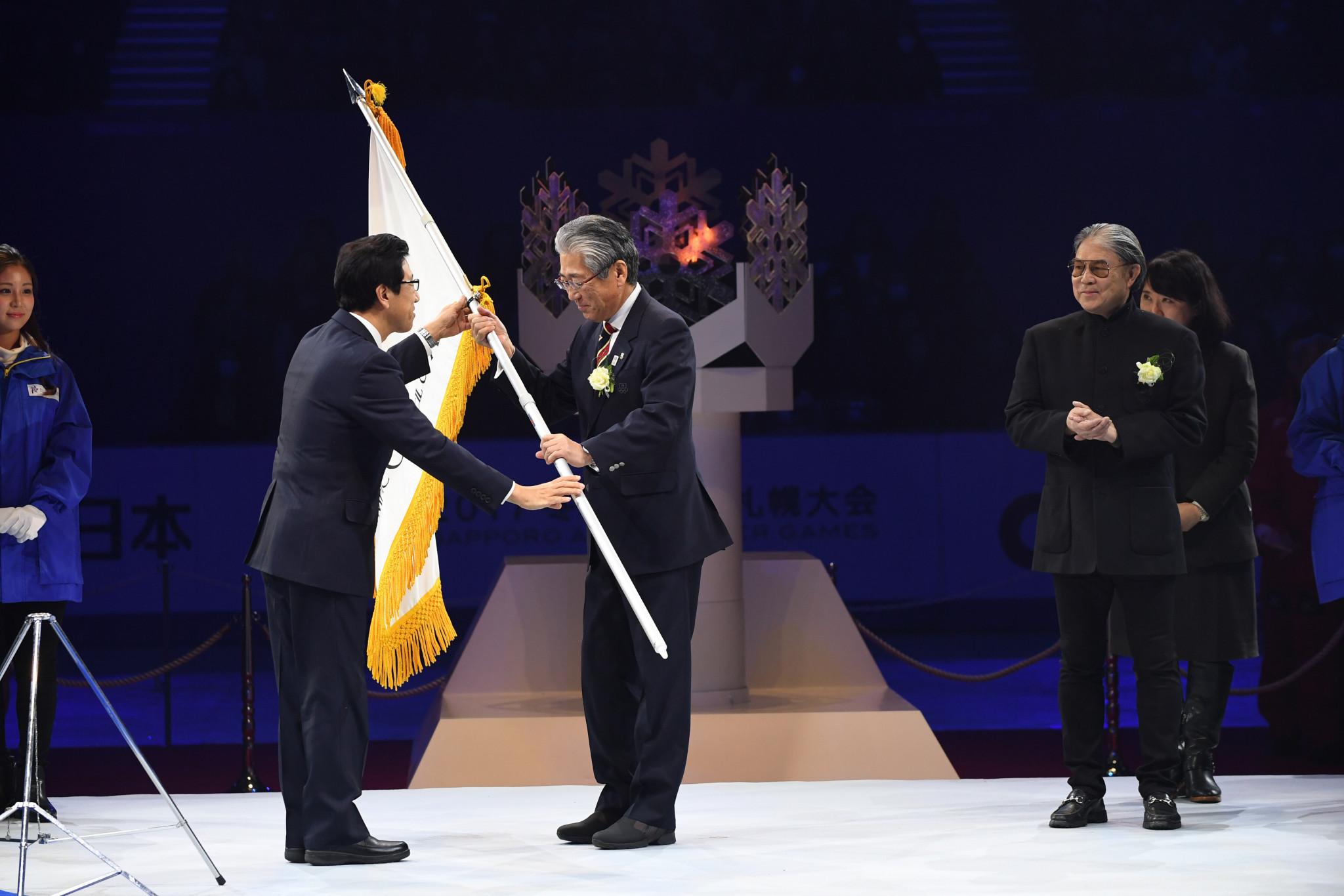 Sapporo Mayor Akimoto Katsuhiro, left, pictured alongside Japanese Olympic Committee President Tsunekazu Takeda ©Getty Images