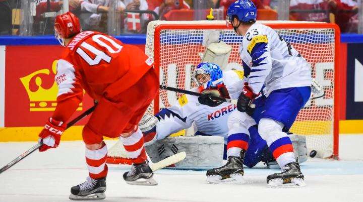 Sweden beats Slovakia in OT, Denmark tops SKorea on ice
