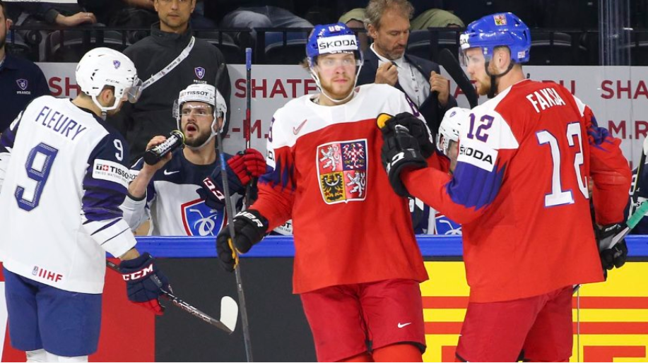 Czech Republic beat France 6-0 in Group A ©Andre Ringuette/HHOF-IIHF Images