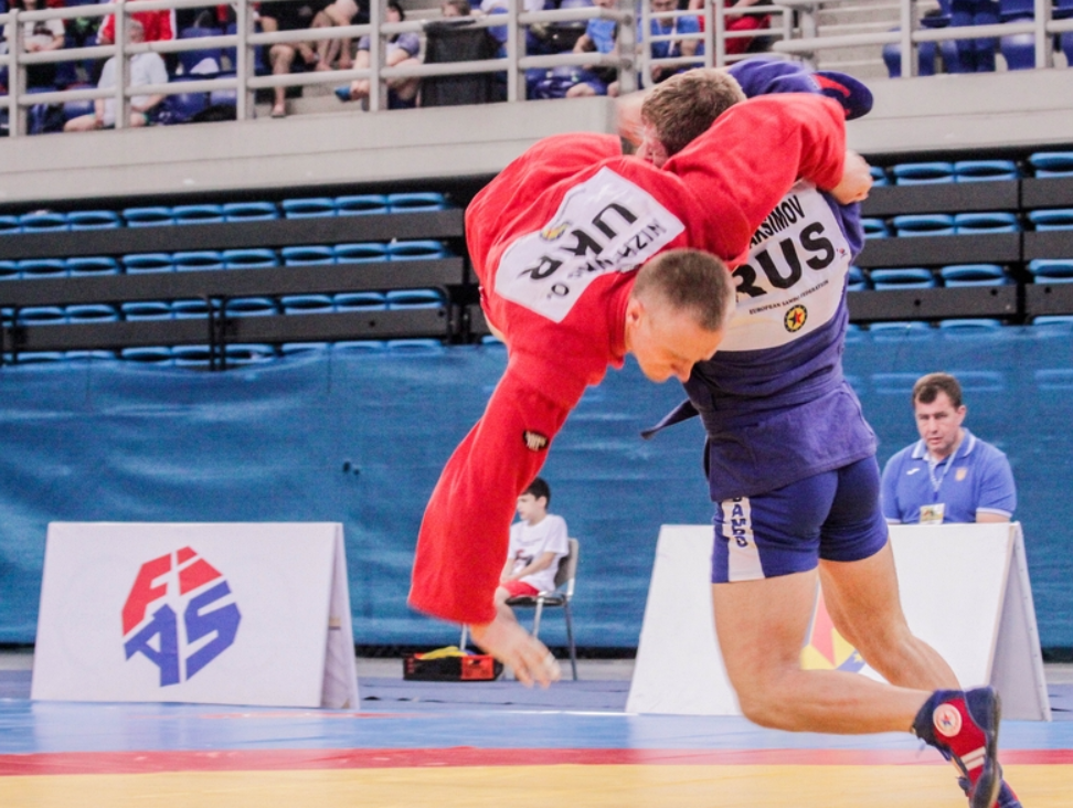 Evgenii Maksimov also contributed to Russia's tally with success in the men's 82kg category ©ESF