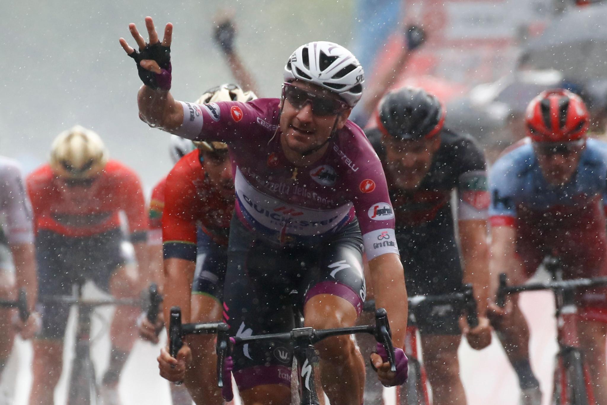 Viviani sprints to fourth stage win at rainy Giro d'Italia