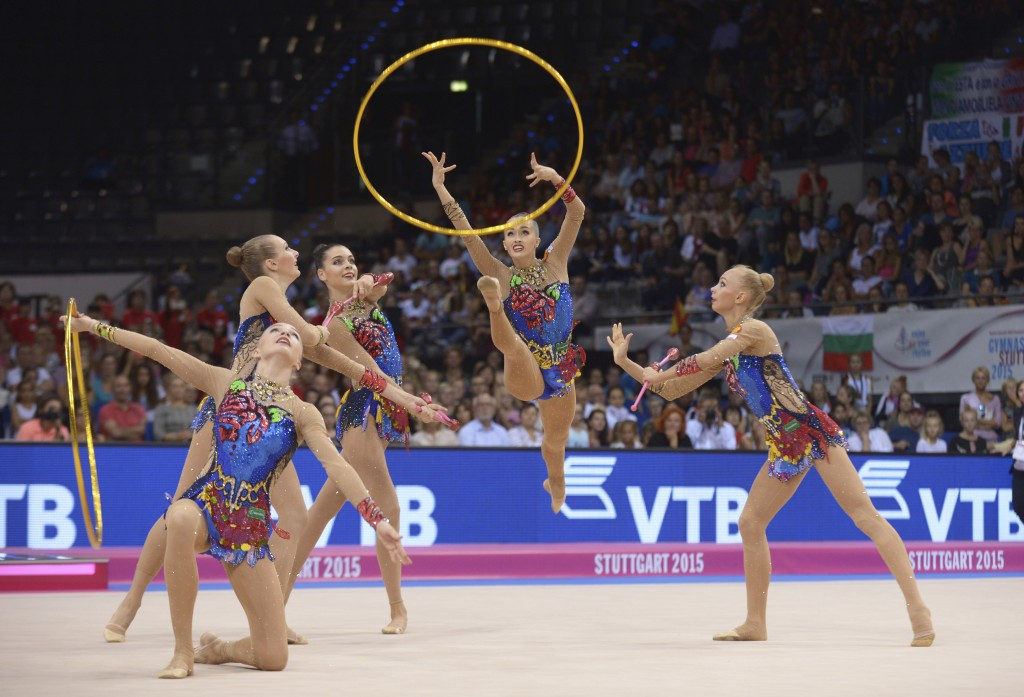 Russia performing their gold medal winning routine ©FIG
