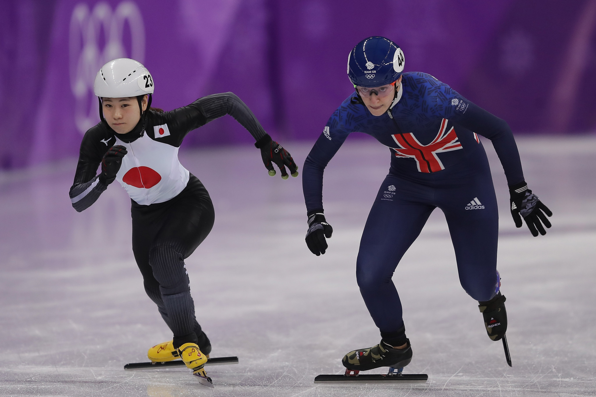 Charlotte Gilmartin, right, pictured during the 1,000m heats at Pyeongchang 2018 ©Getty Images