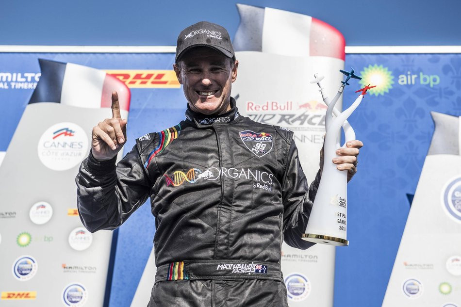 Hall aiming for second consecutive victory at Red Bull Air Race World Championship in Chiba