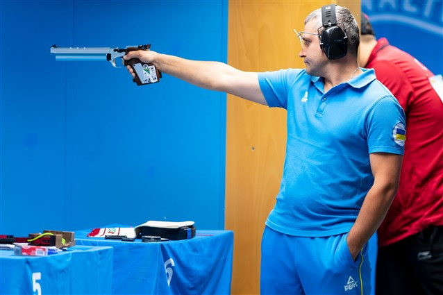 Ukraine's Oleh Omelchuk managed a world record in the men's 10m air pistol event ©ISSF