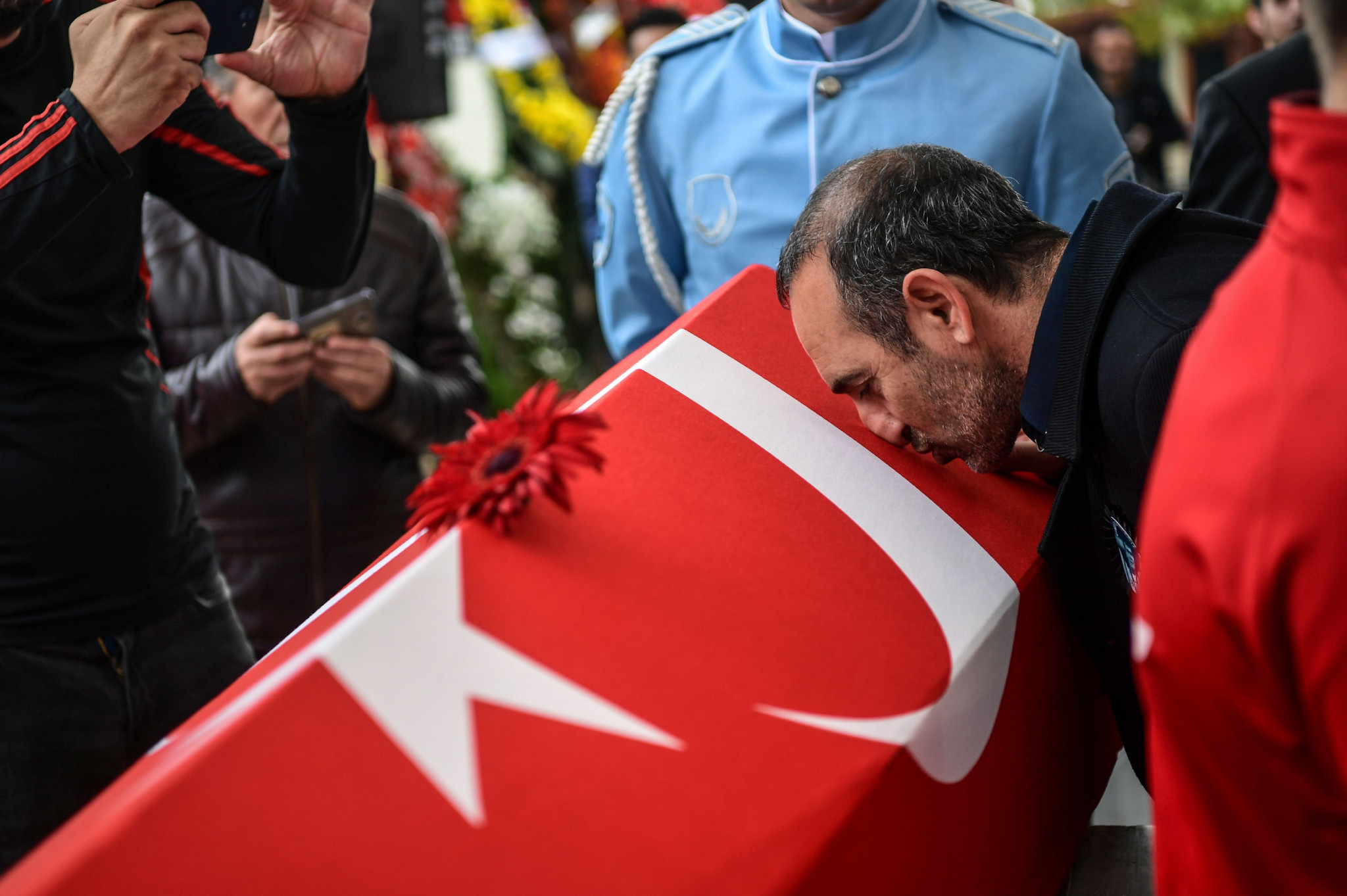 Valerios Leonidis won in the behaviour category for attending the funeral of Turkish rival Naim Süleymanoğlu and kissing his coffin ©Getty Images