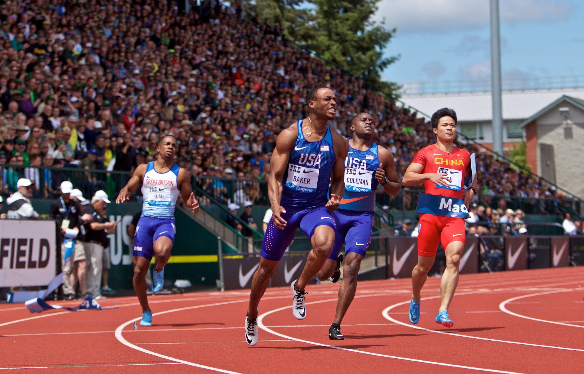 Ronnie Baker beats fellow US sprinter Christian Coleman in last Saturday's Eugene Diamond League race - both now move to Rome to meet two home hopes ©Getty Images