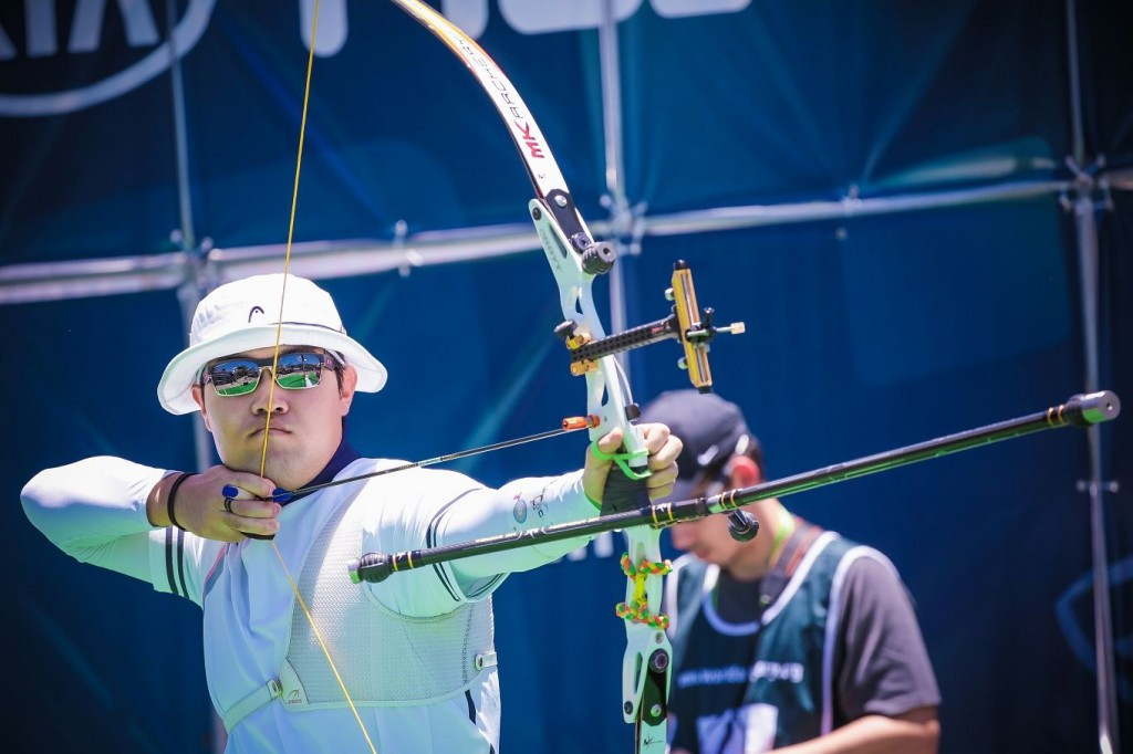 Im Dong Hyun earns double gold at 2015 Archery World Cup in Medellin