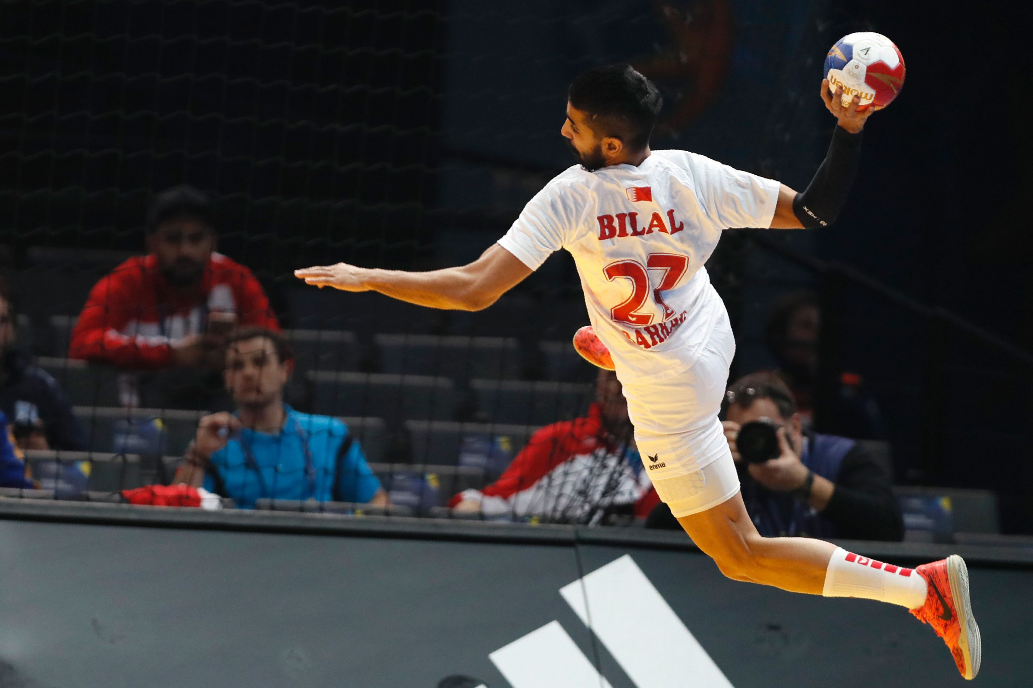 The Bahrain Handball Federation has suggested introducing a third standard colour ©Getty Images