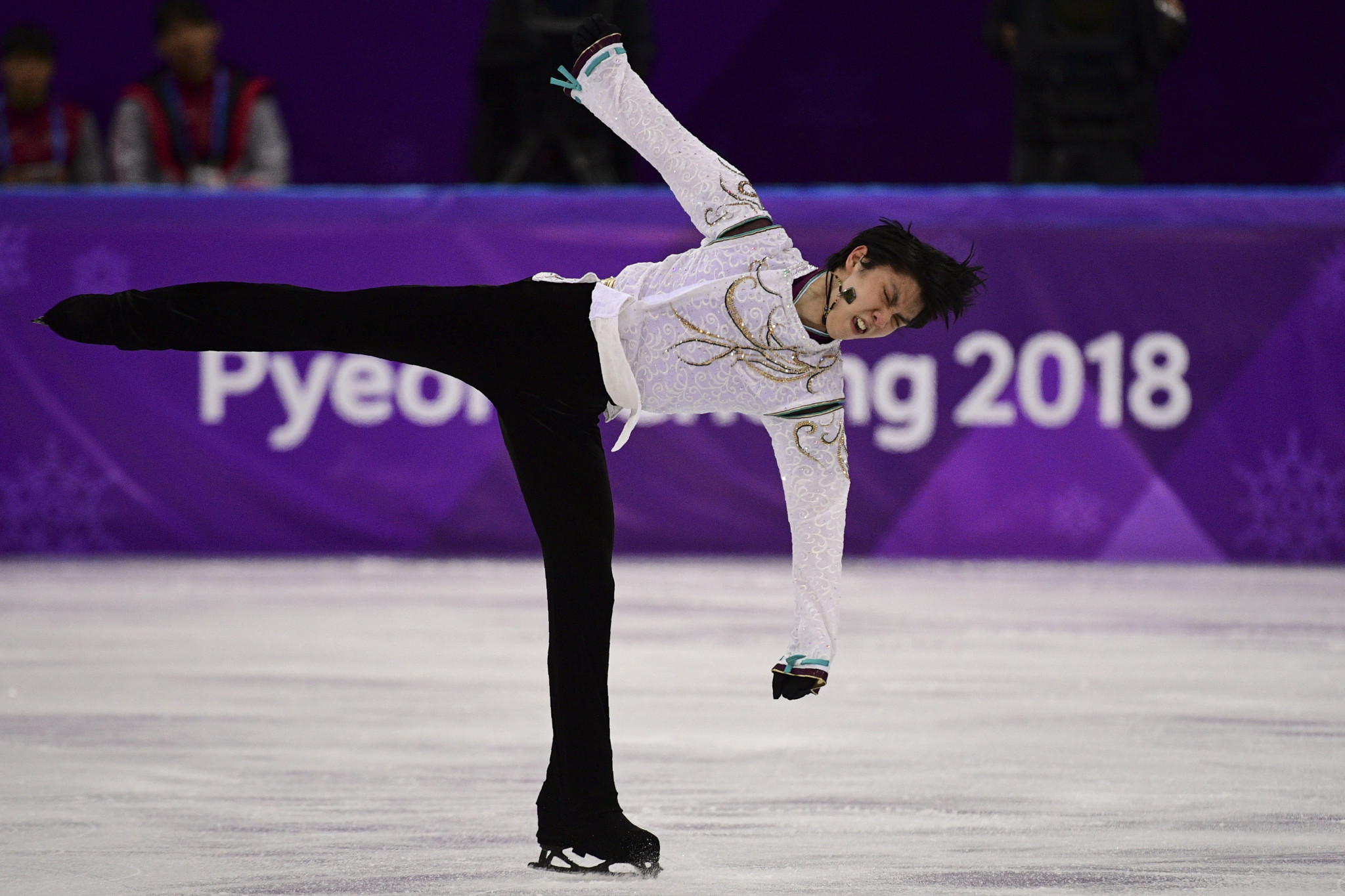 Double Olympic champion Hanyu to receive Japan's People's Honour Award
