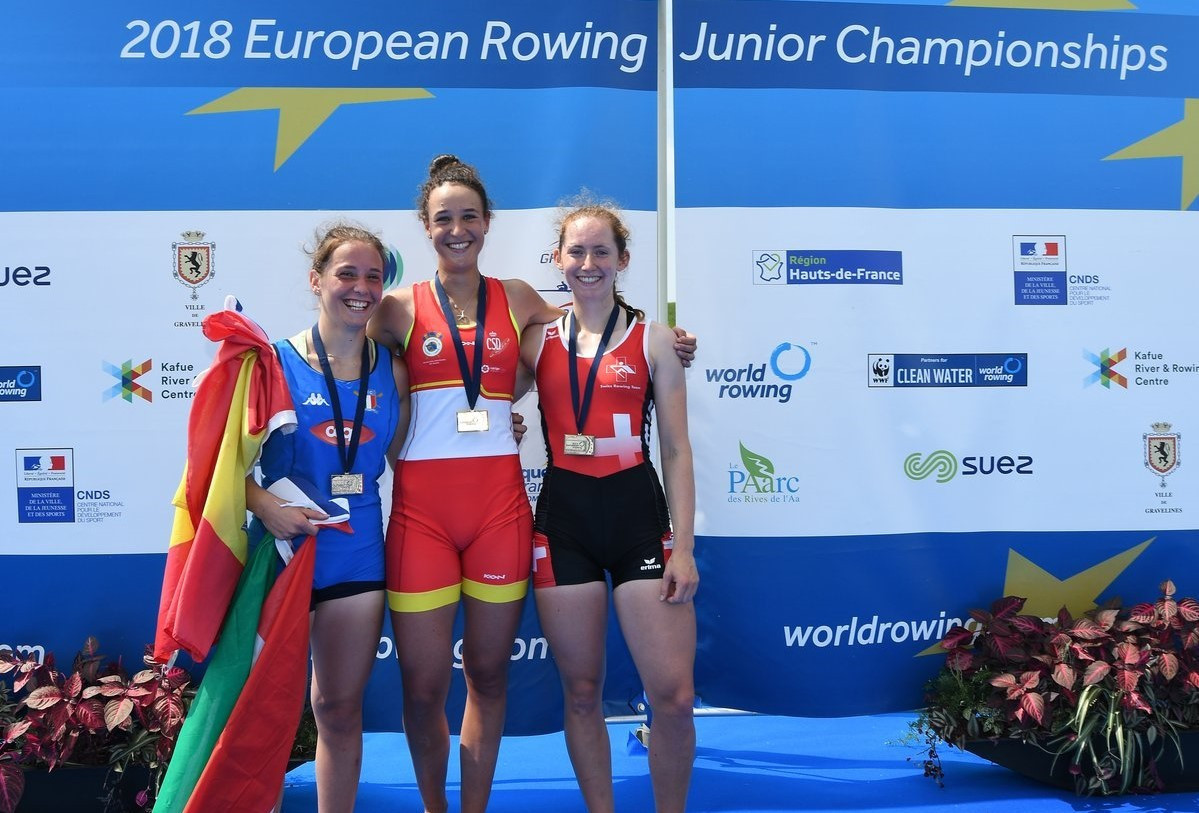 Esther Briz Zamorano, centre, did not claim a spot at Buenos Aires despite winning the women's single sculls competition ©Buenos Aires 2018