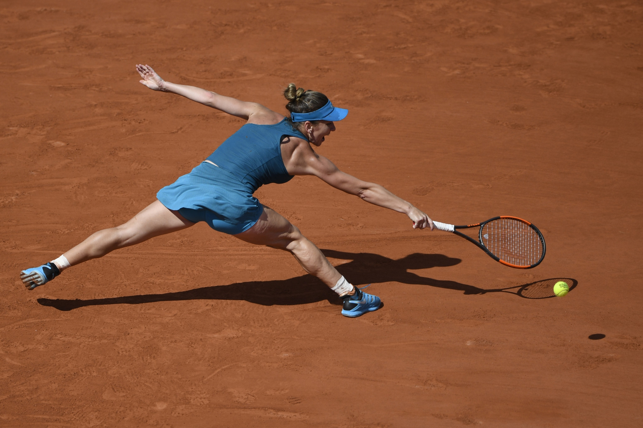 Halep sets up French Open final with Stephens as Nadal recovers