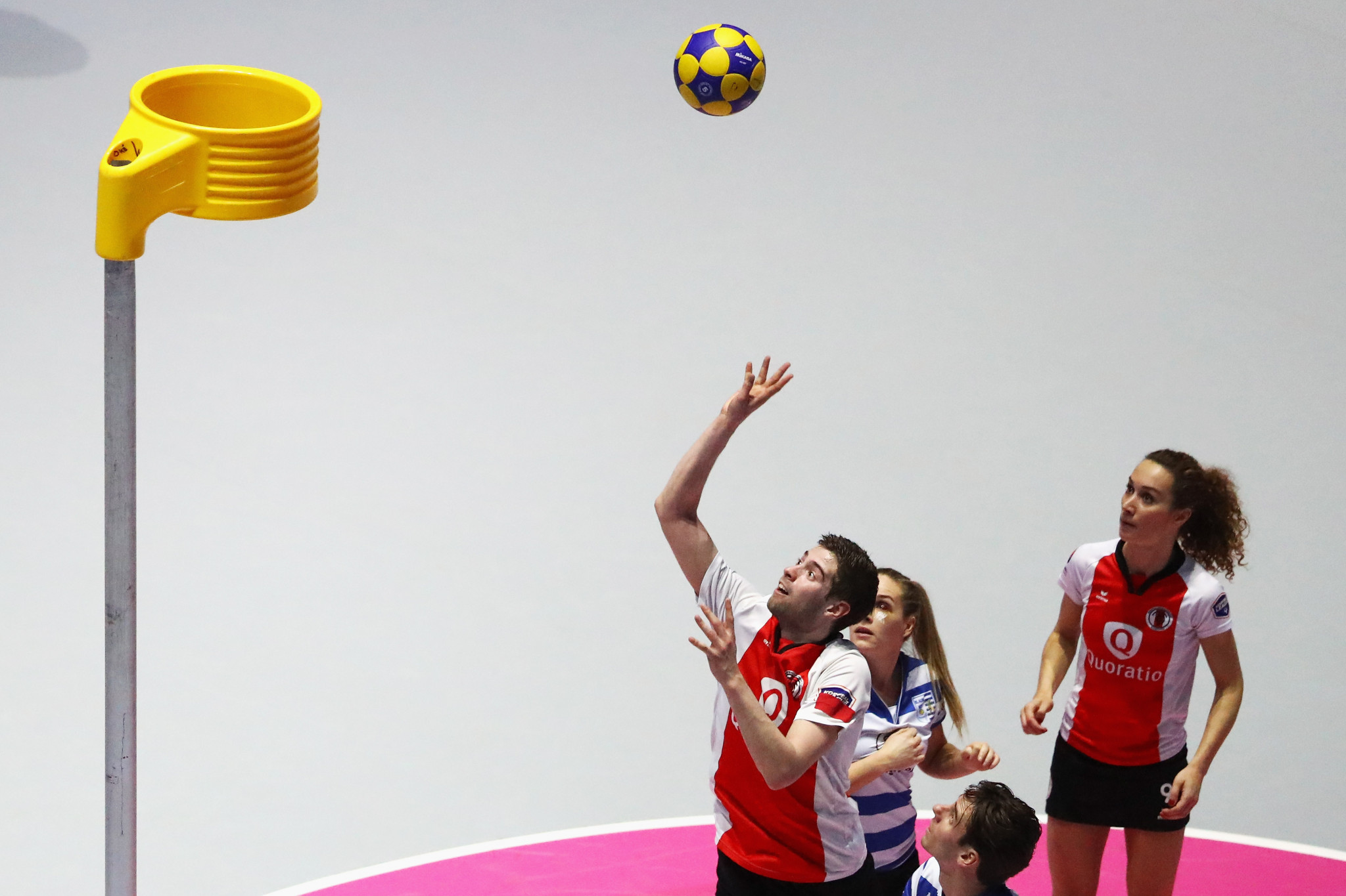 Korfball features mixed teams of men and women ©Getty Images
