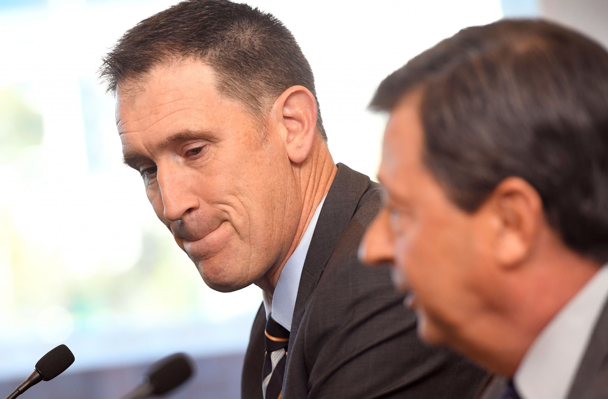 James Sutherland, left, denied his resignation was connected to the recent ball-tampering scandal in Australian cricket ©Getty Images