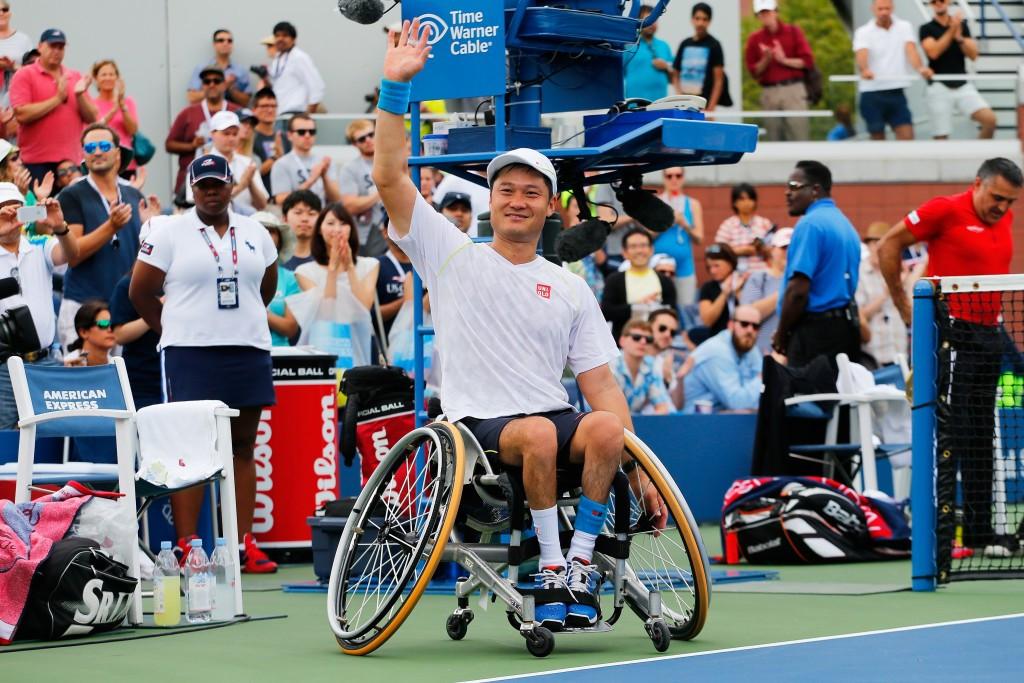Shingo Kunieda maintained his unbeaten run to win the men's wheelchair singles title