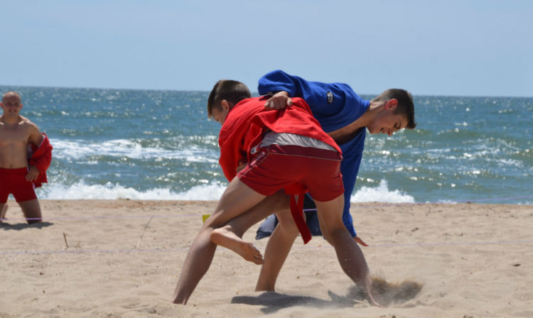 The event was the first National Beach Sambo Championships in Ukraine ©FIAS
