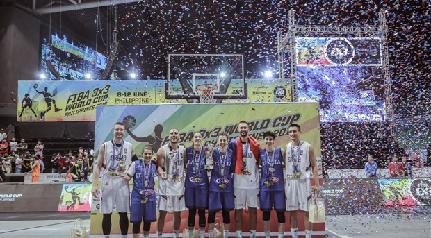 Serbia won the men's title for the third year in a row, while Italy's gold was their first ever World Cup medal ©FIBA