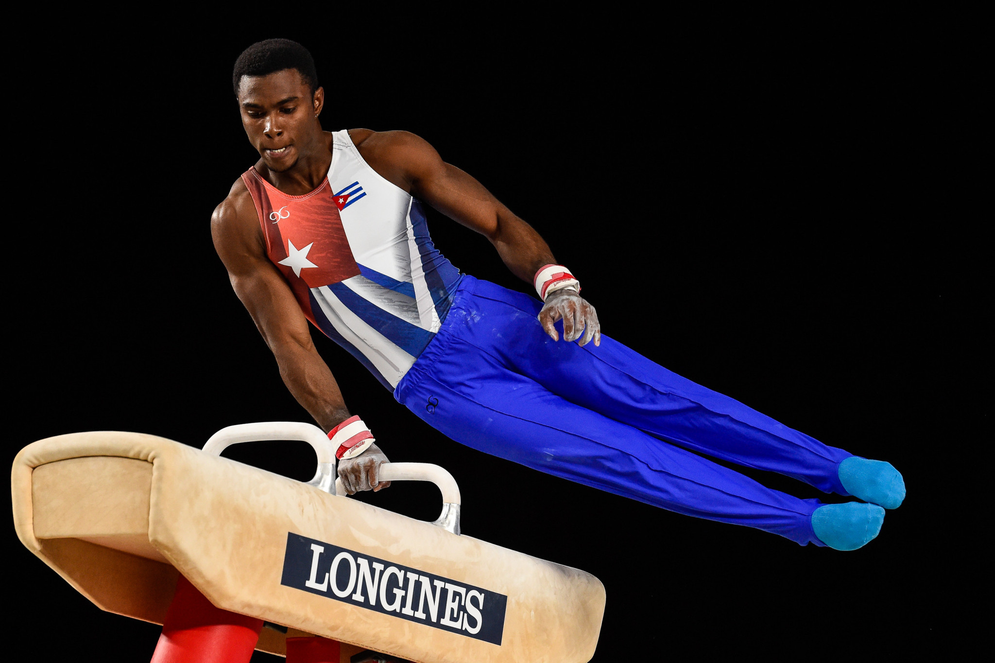 Cuba's Larduet tops pommel horse qualification standings at FIG World Challenge Cup in Guimarães