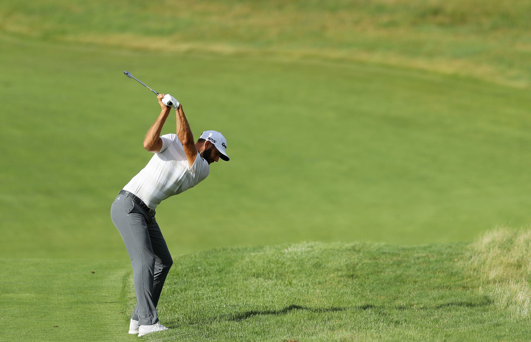 Dustin Johnson shares the lead after the first round of the US Open ©Getty Images