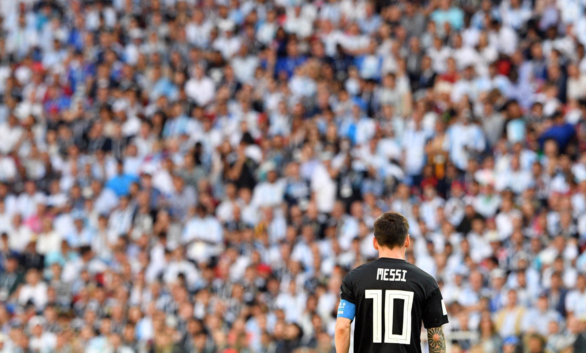Argentina's Lionel Messi cuts a dejected figure after missing a penalty ©Getty Images