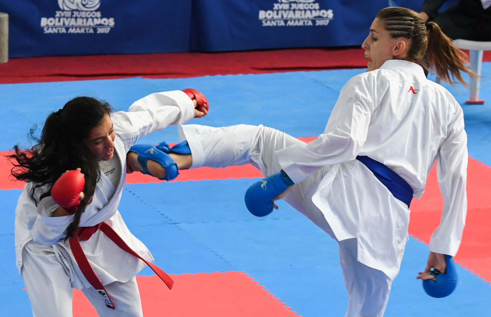 Marianth Maribel Cuervo Baute, right, was part of Venezuela's gold medal-winning women's team kumite side ©Getty Images