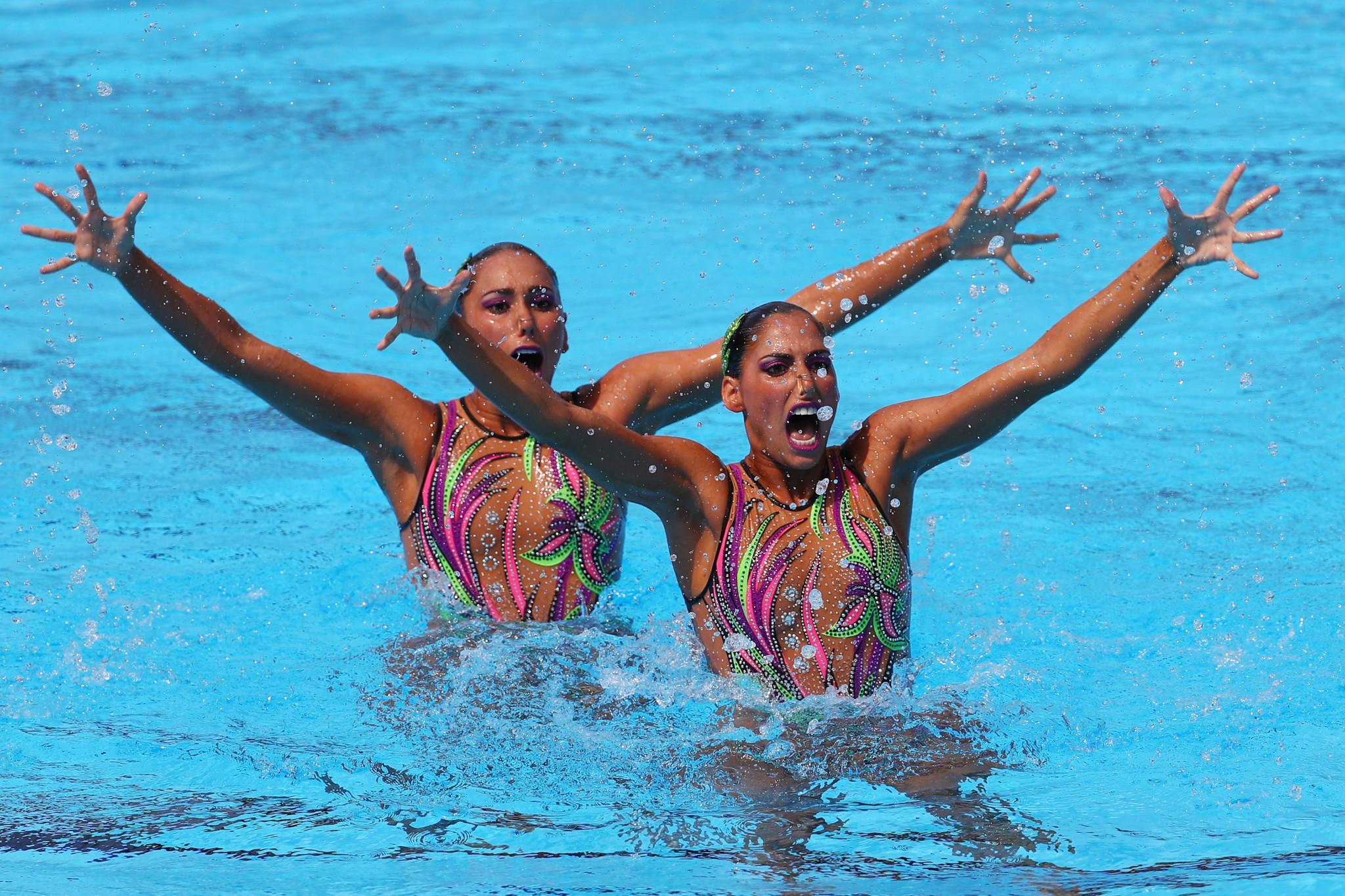 Mexico's Karen Achach and Nuria Diosdado Garcia won the duet free gold medal ©Getty Images