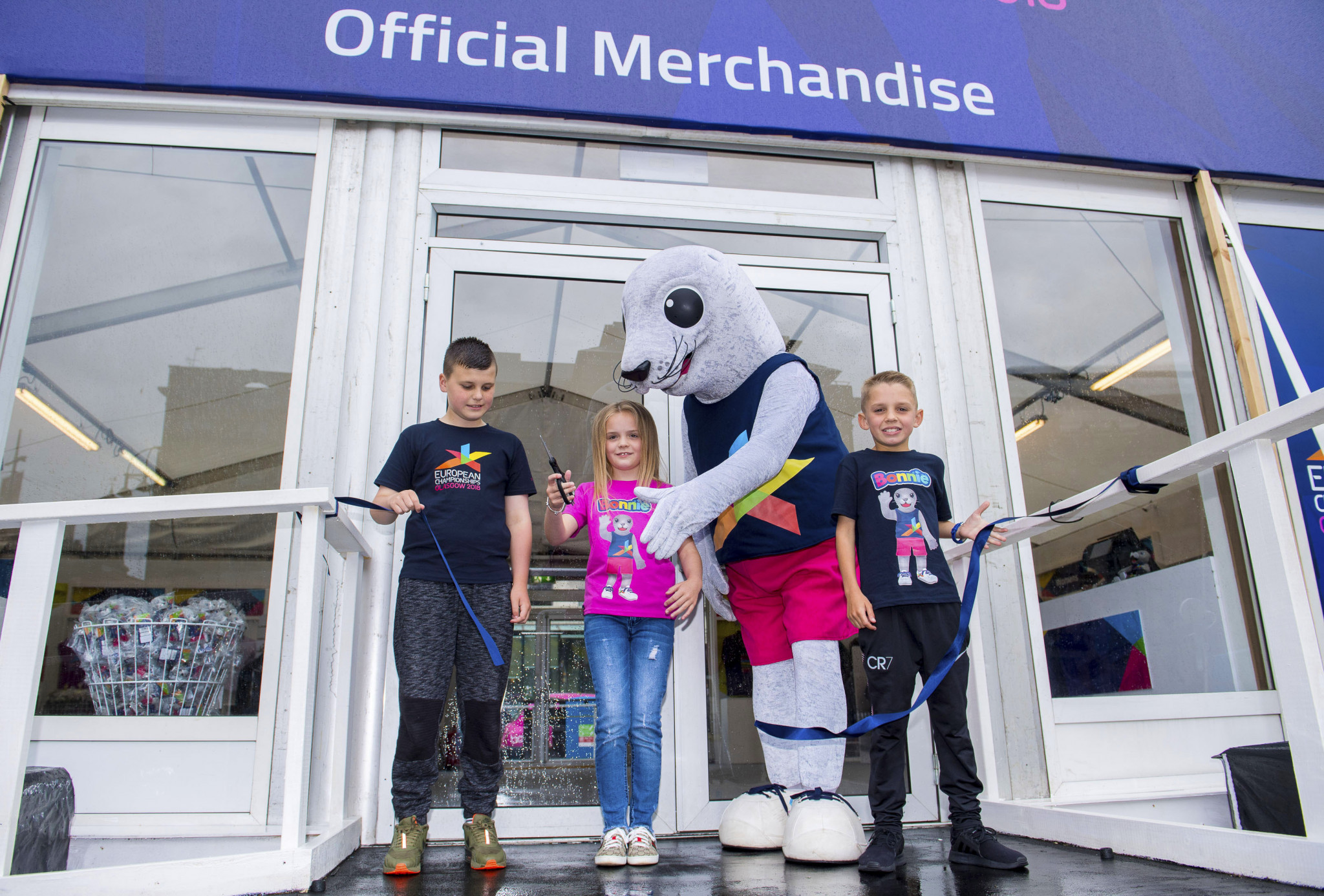 Bonnie the Seal opened the store alongside local children ©Glasgow 2018