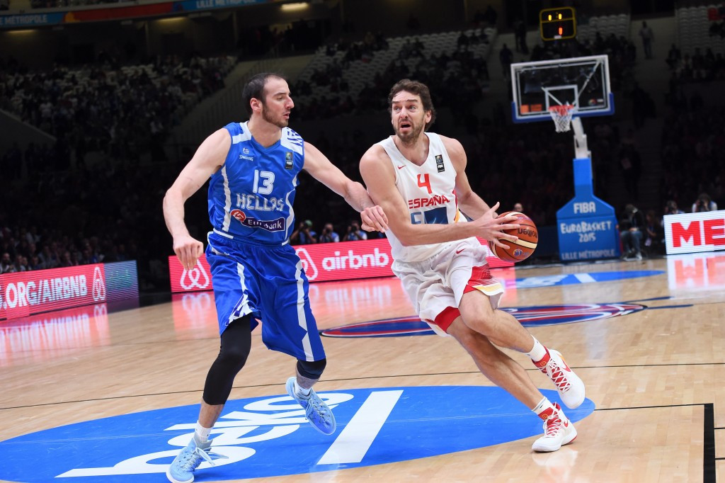Spain win thriller to advance to 2015 EuroBasket semi-finals as holders France see off Latvia