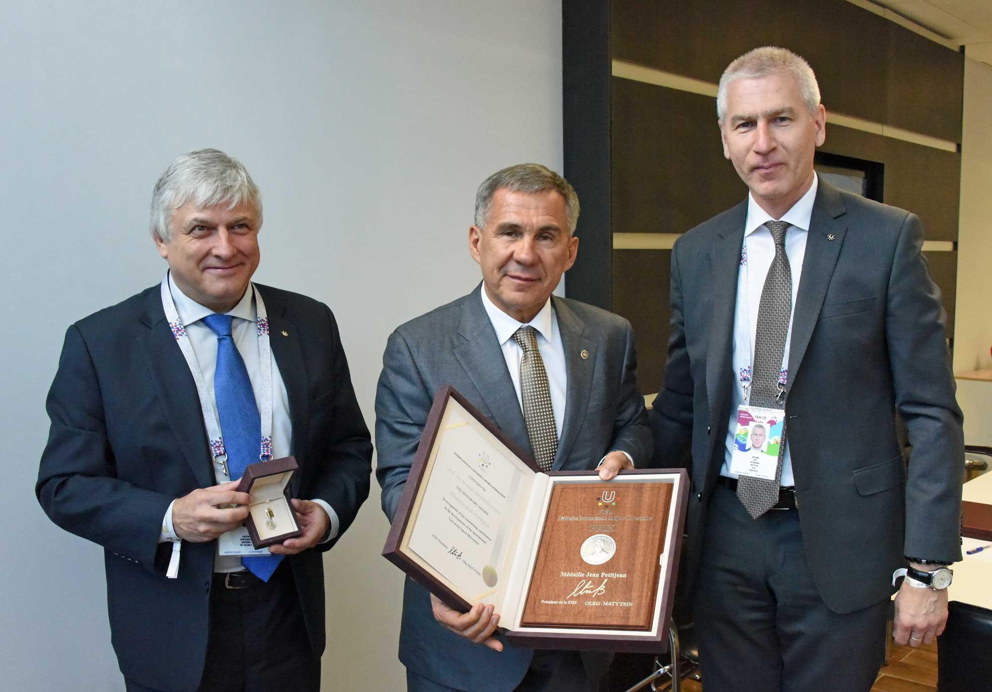 Tatarstan President receives Jean Petitjean award from FISU