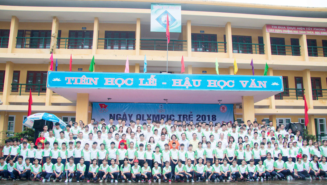 The VOC held the event at the Binh Yen High School, to teach children about the history of the IOC and the importance of the Olympic Movement ©OCA