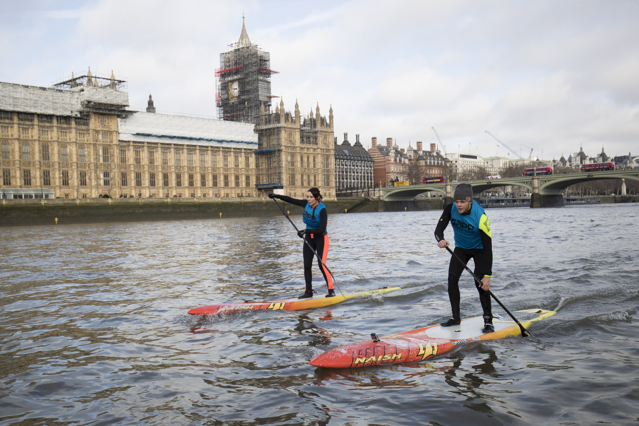Stand-up row between canoeing and surfing intensifies