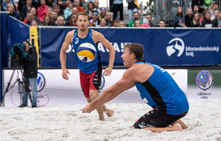 Home pairings reach men's and women's semi-finals at FIVB Beach World Tour event in Ostrava