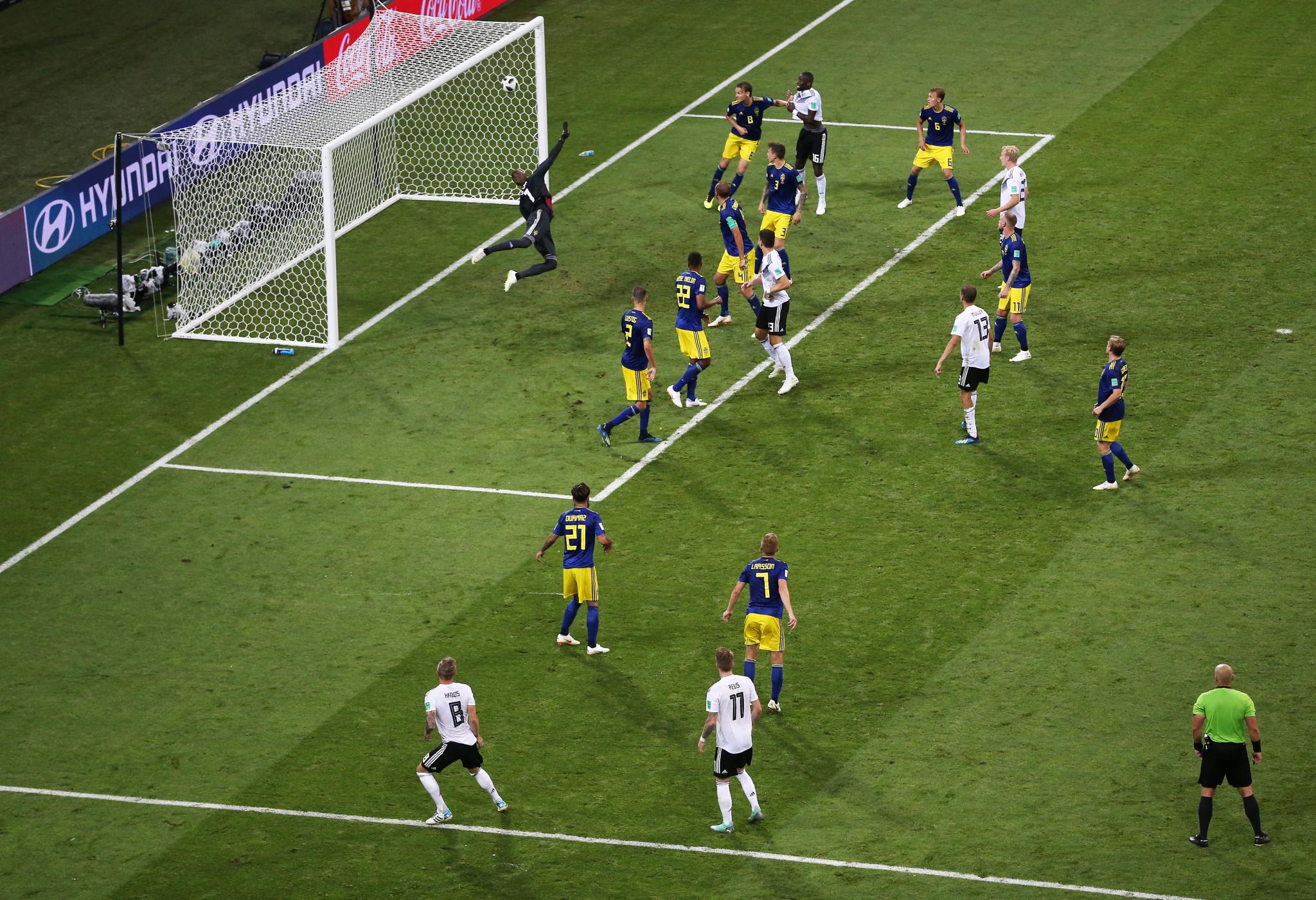 Kroos missile sinks Sweden to keep German hopes of defending FIFA World Cup title alive