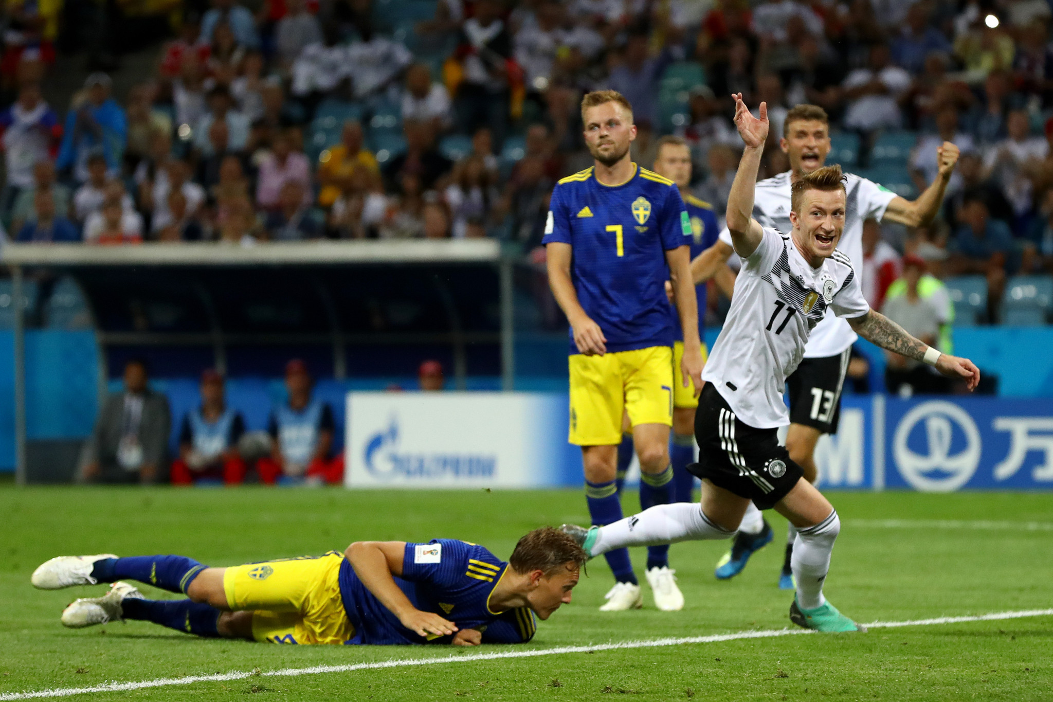 Marco Reus equalised as Germany looked to avoid becoming the fourth straight defending champions to suffer group stage elimination ©Getty Images