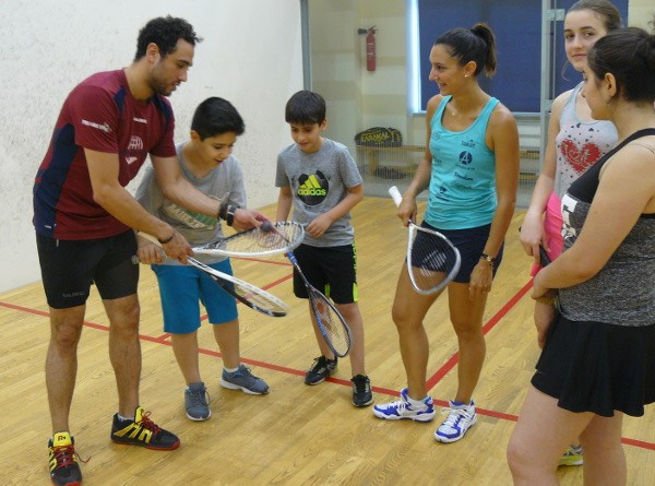The star players held sessions with Armenian youngsters ©WSF