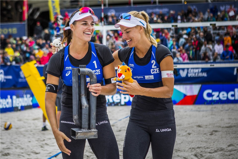 Hermannova and Slukova deliver home success at FIVB Beach World Tour event in Ostrava