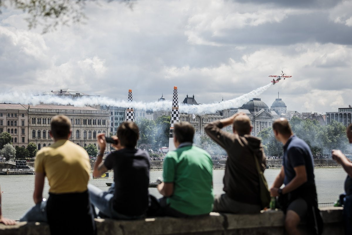 Sonka claims victory as Hall takes overall Red Bull Air Race World Championship lead in Budapest